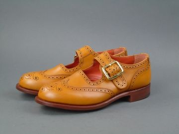 Ladies Buckle Shoe